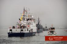 Парад в ковиде и тумане: на Камчатке празднуют день ВМФ