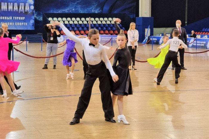 Первая победа камчатских бальных танцоров в новом сезоне
