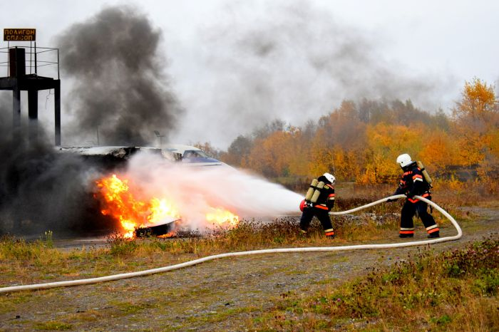 Учения на случай жесткой посадки самолета прошли в главном аэропорту Камчатки